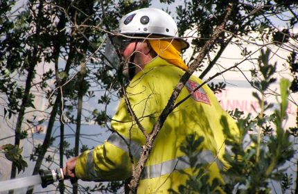 Fire fighting in the Parrot Bush, Gidgegannup